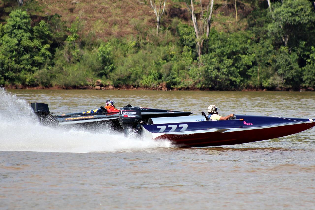 Motonáutica no lago